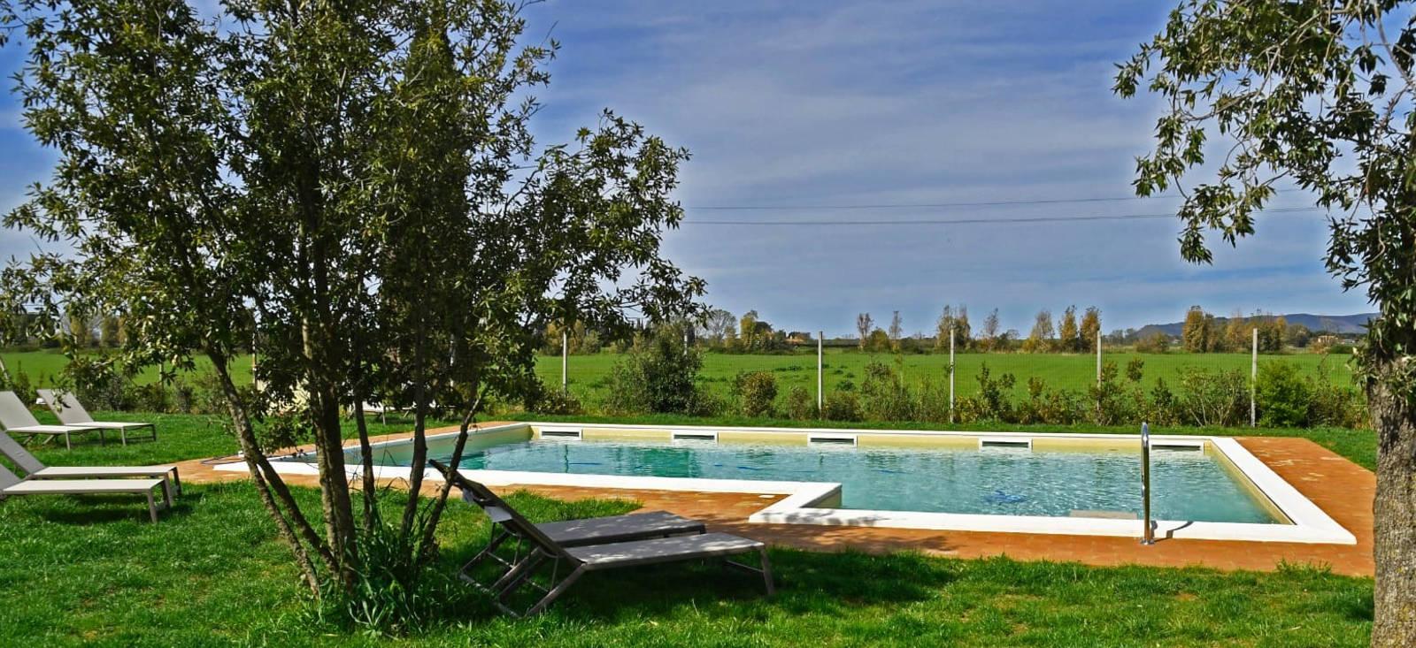 Agriturismo con piscina ad Orbetello